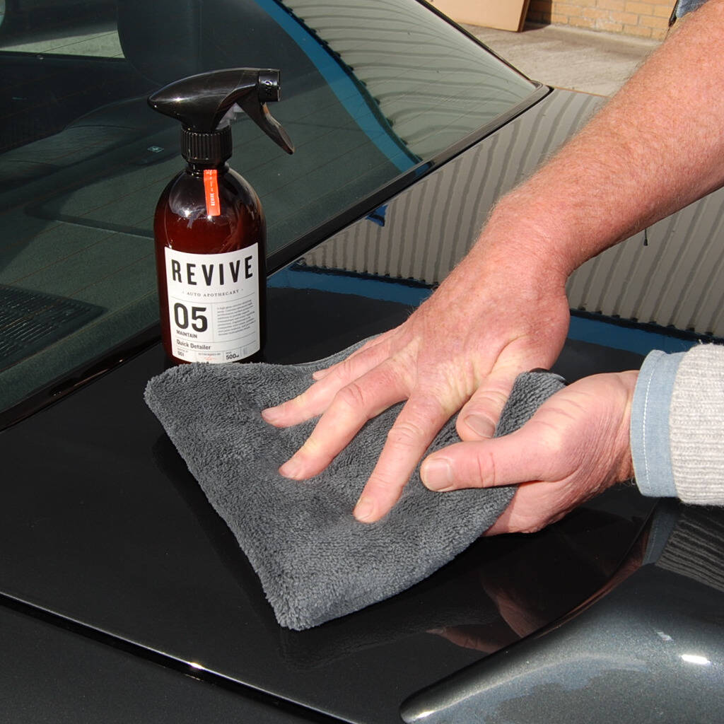 Car Detailing Spray And Buffing Cloth Gift Set